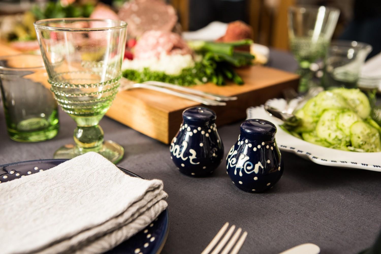 Abendbrottisch mit Eichsfelder Wurst und Bürgel Keramik
