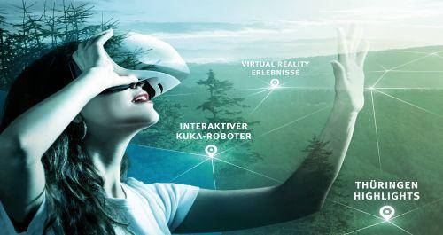 eine junge Frau nutzt das Set Virtuale Realität
