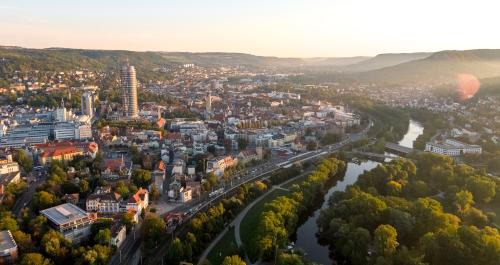 Blick von oben auf die Stadt Jena